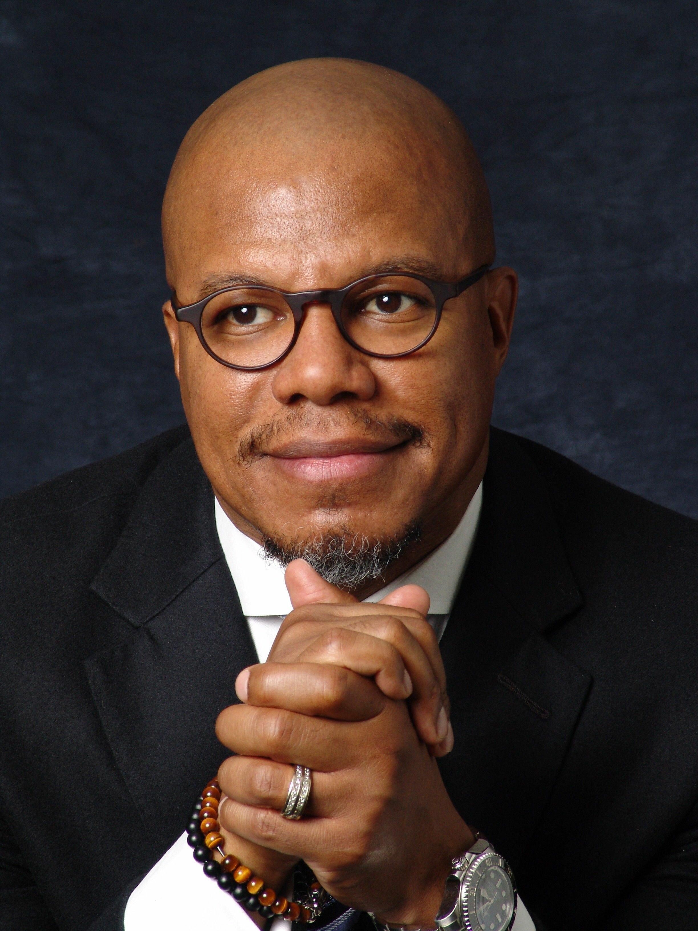 Dr. William Curtis