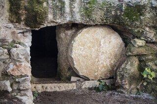 Empty Tomb-3326100 1920-1