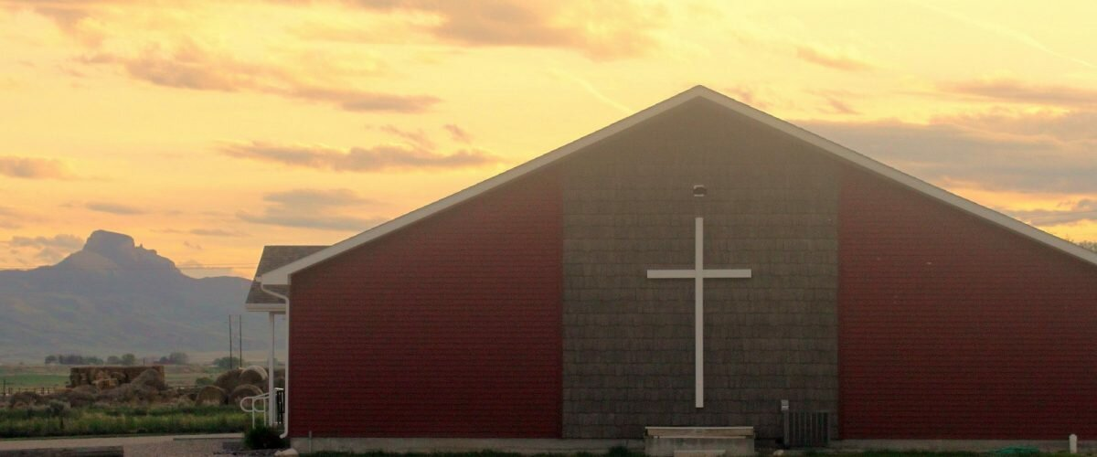 ADDITIONAL WEDNESDAY NIGHT SERVICE HELPS ACCOMMODATE PEOPLE  AMIDST GROWING CHURCH