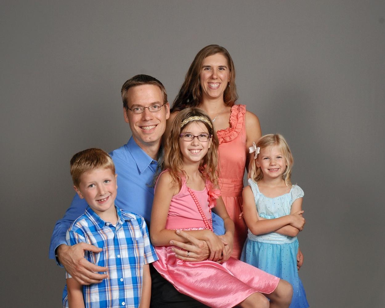 LOWTHER, Phil & Pam Abigail, Noah, Karis