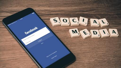 People use social media to evangelize