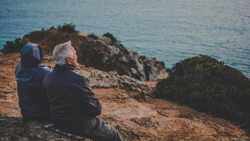 Study finds aging can bring happiness and contentment