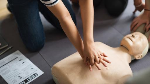 Over 25 people take turns giving CPR to man for 96 minutes