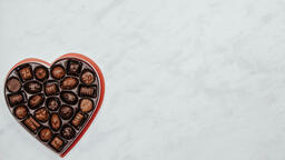 Candy and Hearts  image 1