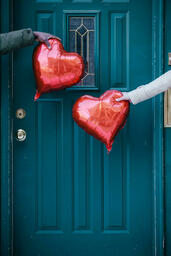 Valentine's Day Lifestyle couple holding heart balloons 16x9 f79a5d4d 7d37 4057 9ff9 cf15df90218e image