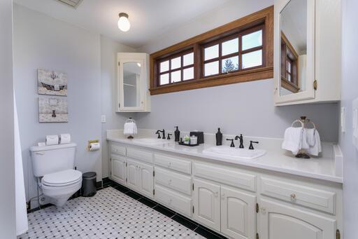 Paris Suite Bathroom