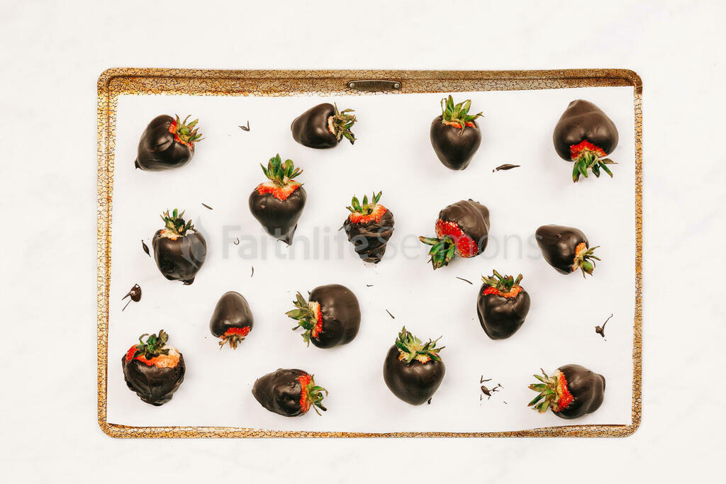 Chocolate-Covered Strawberries large preview