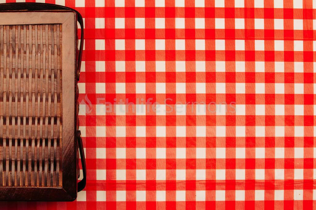 Picnic basket on red plaid tablecloth 16x9 83ec3400 2cd2 4a42 8fa8 ed304e6ff421 preview
