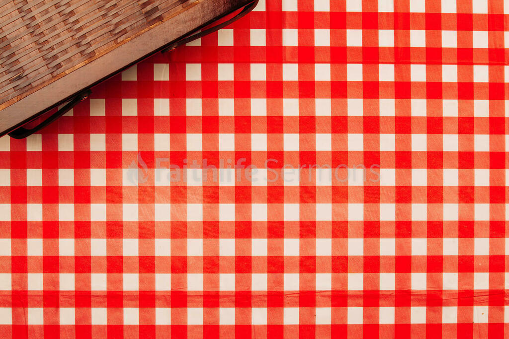 Picnic basket on red plaid tablecloth 16x9 f4e74f48 144c 4356 aee5 a26846c309ea preview