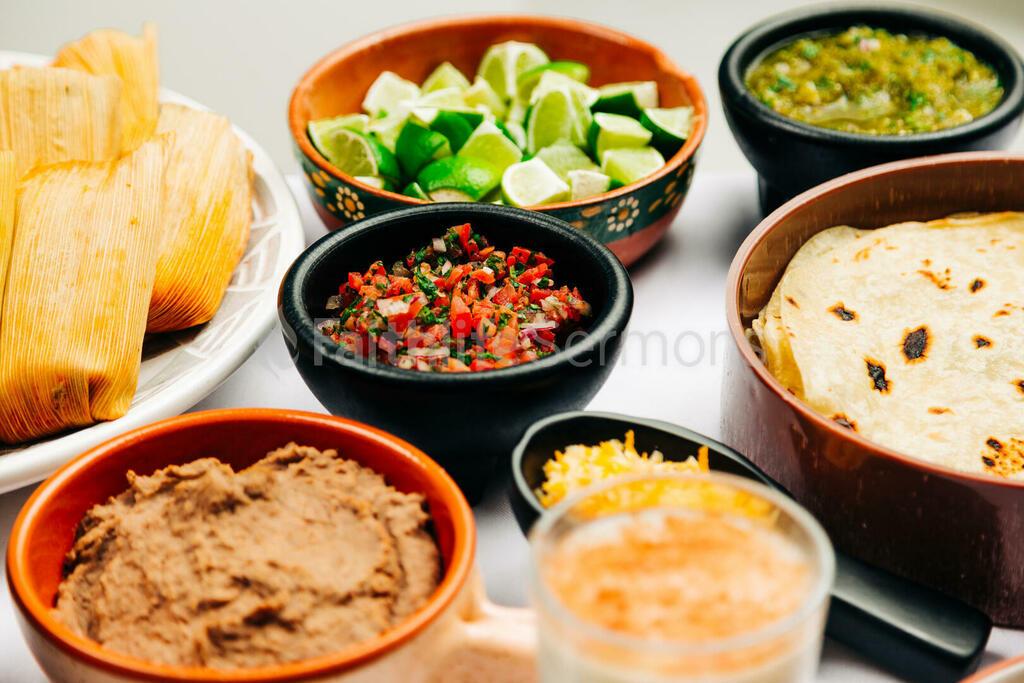 Mexican Food Spread 16x9 d1653108 17c8 4fa7 85cd 66210dba113f preview