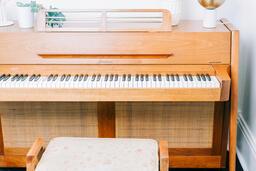 Piano  image 2
