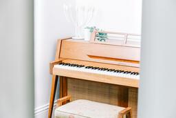 Piano  image 1