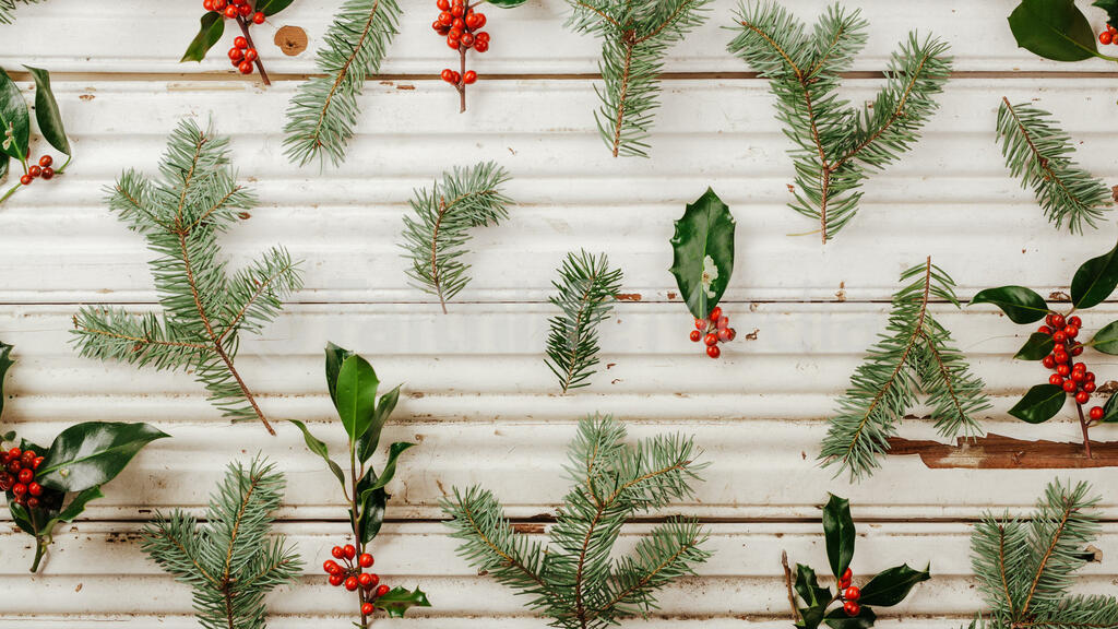 Pine and Holly large preview