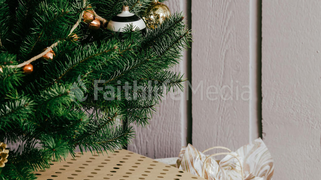 Metallic Christmas 2018 presents under the tree 16x9 9a3d143a 79aa 4cd7 bc8b edfbcf1ae496 preview