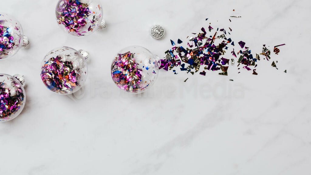 Christmas Confetti Ornaments large preview