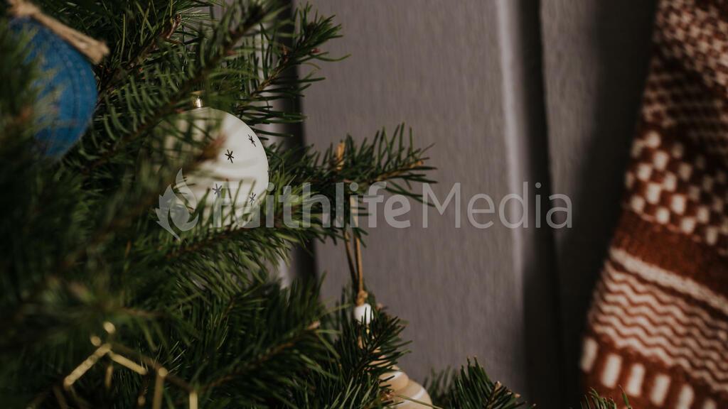 Scandinavian Christmas 2018 tree closeup 16x9 25cbef5c 635c 41ba 98d1 fa7c5352b188 preview