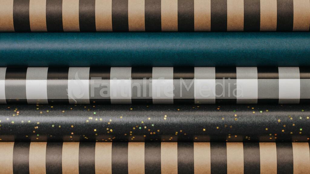 Scandinavian Christmas 2018 wrapping paper 16x9 64159572 c154 41c2 be62 d7d6b1c4c3d7 preview