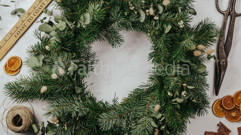 Christmas Wreath Making large preview
