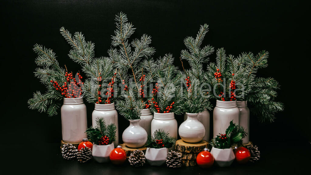 Christmas Floral Arrangement large preview