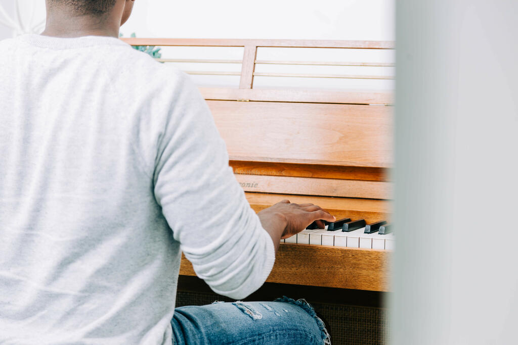 Man Playing Piano large preview