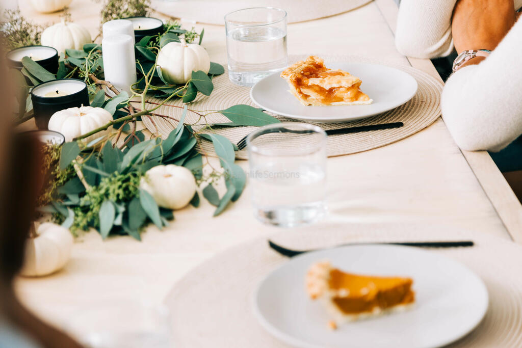 Thanksgiving 663 preview