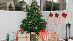 Modern Christmas 2018 tree 16x9 5c21e852 ebda 4b5f bd23 e3688041ce34 image