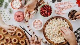Modern Christmas 2018 making popcorn cranberry garland 16x9 601fc8d4 61b1 4b4f ae8b a96363ebad09 image
