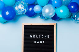 Welcome Baby Letter Board with Blue Balloon Garland  image 3