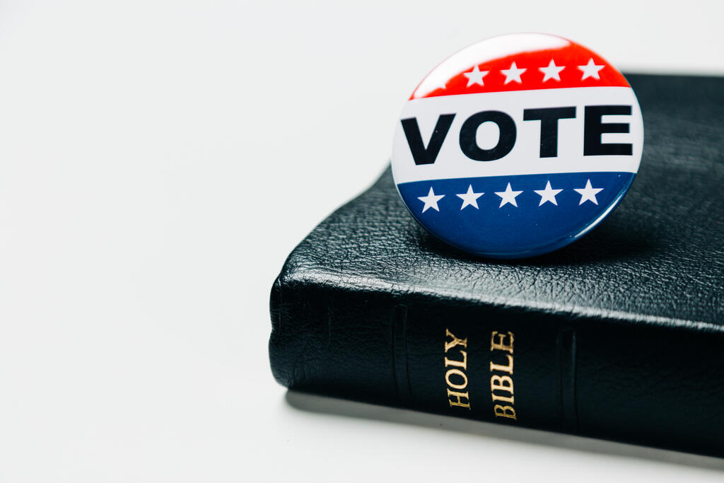 Vote Pin on the Bible large preview