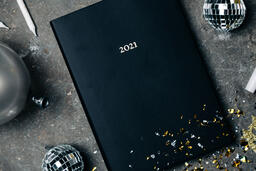 2021 Notebook with New Year's Eve Party Items  image 10