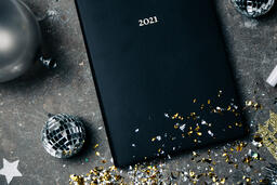 2021 Notebook with New Year's Eve Party Items  image 8