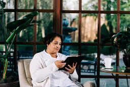 Woman Reading the Bible  image 3