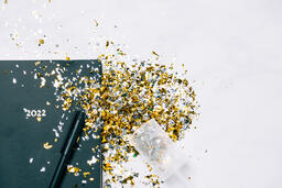 2022 Notebook with a Confetti Popper  image 7