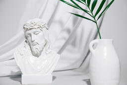 Bust of Jesus with Palm Branch  image 2
